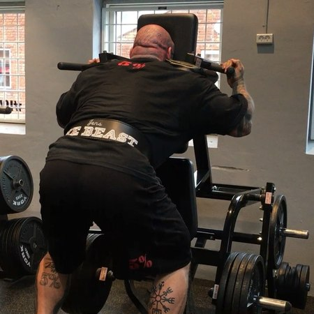 """Jens The Beast Dalsgaard on Instagram: """"First time trying out this variation of V-Squat doing it backwards front agains the pad, finished off my ..."""