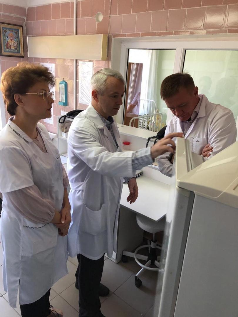 Старовойт посетил с проверкой детскую больницу Курска и Дом ребёнка