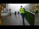 Gilet jaune : casseurs immeuble blvd Haussmann barricades Paris 1 décembre acte III.