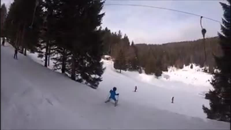 Sacha Grosjean skiing