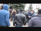 Жители не рады приезду сепаратистов и российских диверсантов Красный Лиман 12 04 14 HD.mp4