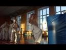 Коварный нокаутирующий удар в прыжке в голову с финтом. Тоби Маваше гери хайсоку в Кёкусинкай карате. Начальная группа 2-3 класс
