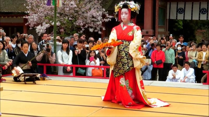 奉納舞 鶴の声 葵太夫さんの華麗なる舞必見ですよ