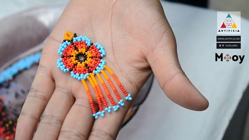 Aretes artesanales de Chaquira - Mooy y Artificia