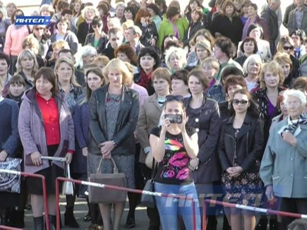 Митинг в поддержку депутатов Народного Совета от ОД Мир Луганщине и Л. Пасечника.