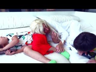 [Mister Max] Балди РАЗБИЛ новый iPad Макса и GRANNY  в реальной жизни мешает детям или kids VS Baldi
