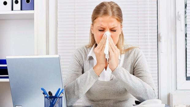 Острые респираторные заболевания. Если болит горло и капает из носа, ломит кости и поднялась температура, все ясно — у вас простуда или ...