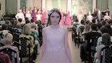 Вероника Борисова на показе коллекции одежды Светотень