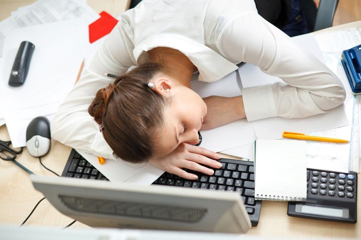 Прикольные картинки про женщин в офисе, днем