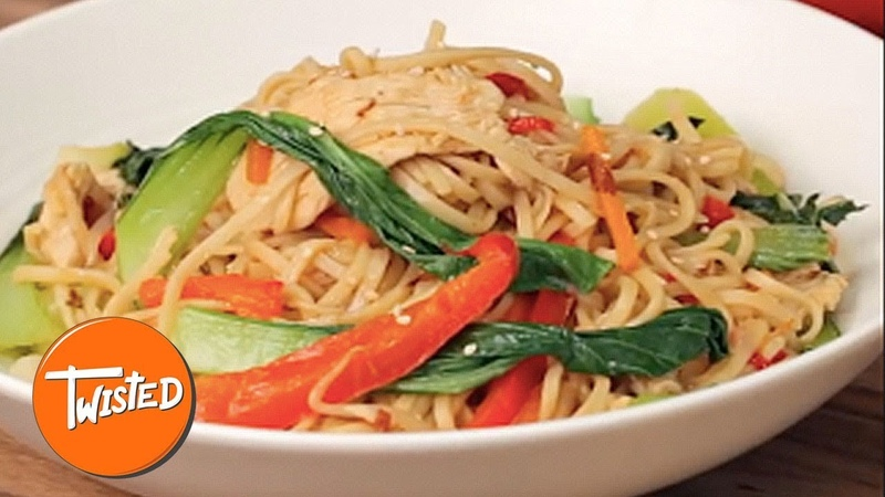 One Pot Chicken Chow Mein Recipe | Chinese Food At Home | One Pot Meals | Twisted