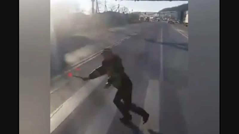 Видео из кабины зерновоза Решил задавить ДПСника Новороссийск Владимировский пост