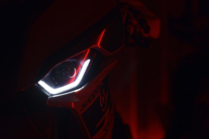 EICMA 2018: супербайк  BMW S1000RR 2019 (67 фото)