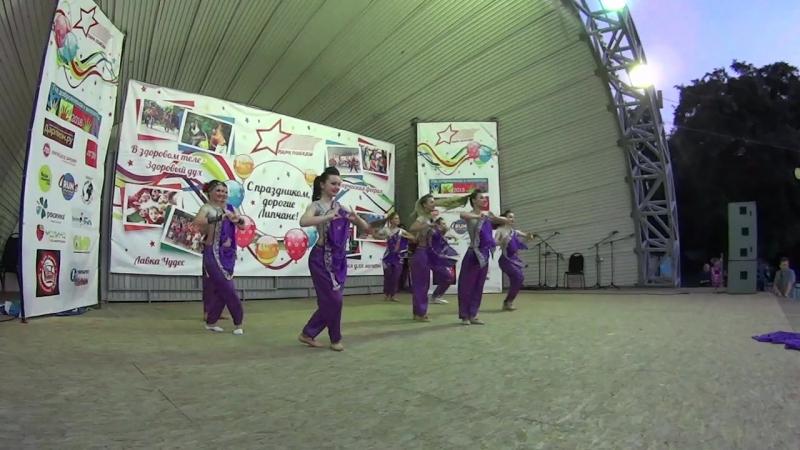 Bollywood Индийский. Танцуют Mio Latino и Венеды