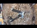 Метание ножа в игральную карту с разворота, стоя спиной к стенду ,с последовательной смены дистанции