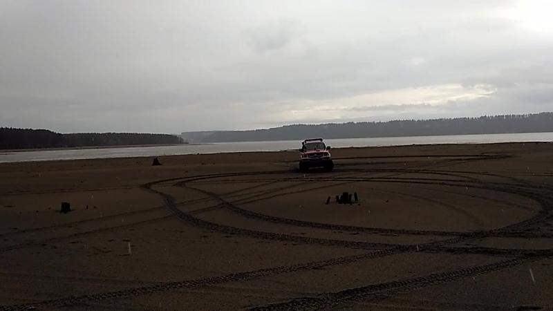 L200 и песок