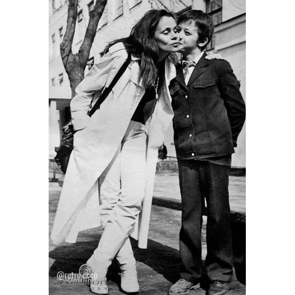 Любовь Полищук, сегодня ее день рождения В каком фильме она вам запомнилась больше .Спасибо за и подписку Очень интересная история знакомства Любови Полищук с ее вторым супругом Сергеем Цигалем.