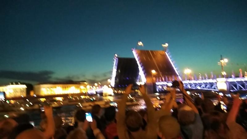 Мосты в Питере разводили в 1.10