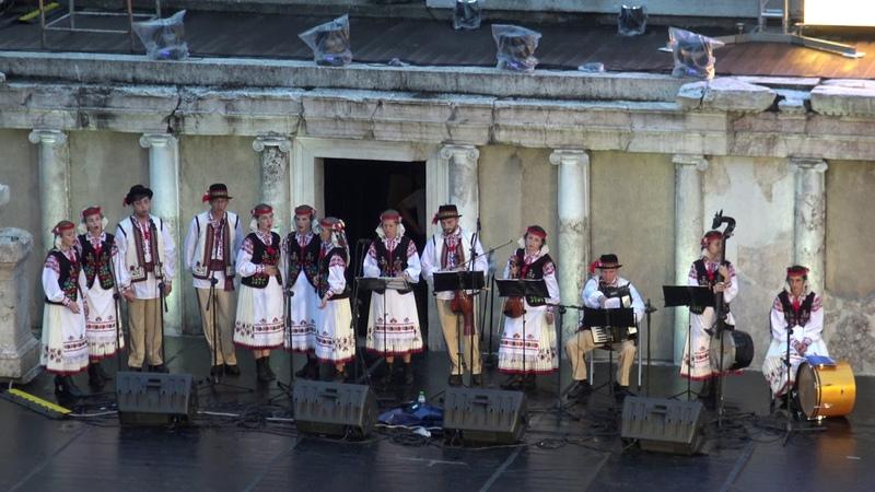 Фолклорен ансамбъл за песни и танци Черемош - Украйна