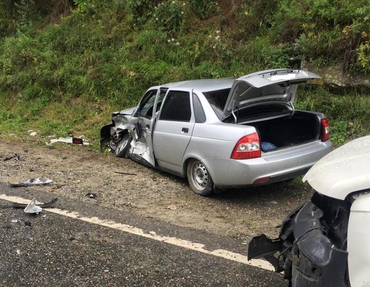 Рядом с Буково разбились два автомобиля