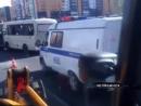 Маршуртка закатила Шевроле Ниву под КАМАЗ Два пассажира микроавтобуса получили травмы
