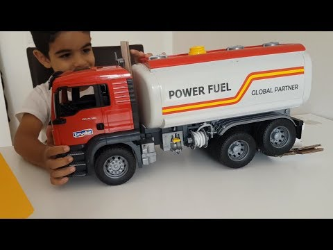 Bruder Toys MAN TGS Tanker Truck unboxing with Dlan