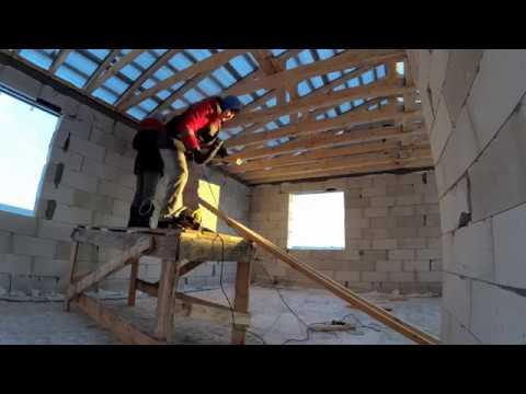 Утепление деревянного перекрытия базальтовой ватой. С холодным чердаком. Timelapse