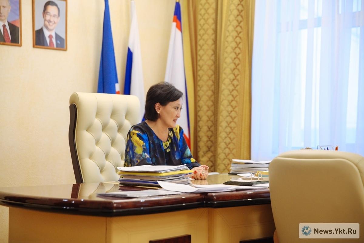 «Я немного другого склада женщина». Сардана Авксентьева — о планах, супруге и отношениях с главой Якутии.