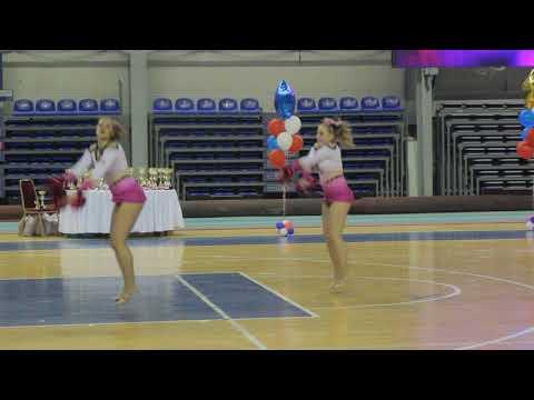 Жолобова Наталья и Сажнева Анастасия команда Дейзи на всероссийских соревнованиях по чир спорту