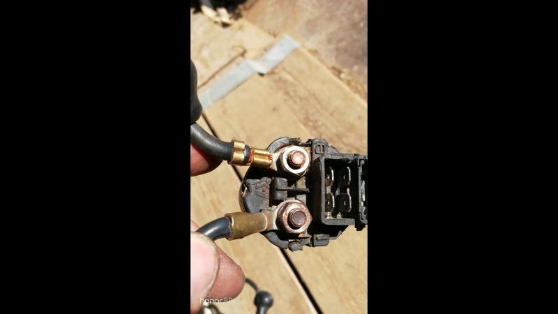 Заменил реле стартера zxr 400 плохо заводился и на горячую то же