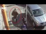 Водитель BMW, который напал на мать с детьми не пропустивших его на зебре, получил полгода исправительных работ