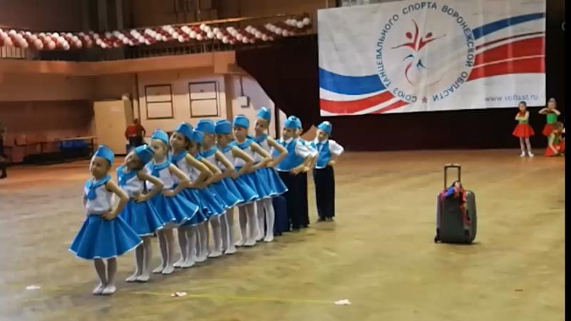 Танец стюардесс 24.04.2018
