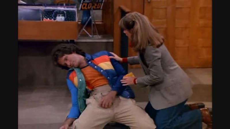 Mork and Mindy (Season 1 Episode 23) - Mork Runs Down original sub eng