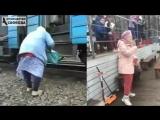 РОССИЯ VS ЗАГНИВАЮЩИЙ ЗАПАД Когда женщине за 65, жизнь или становится сложнее или начинает играть новыми красками, как в случае