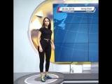 Сербская телеведущая в прямом эфире показала, как надо бить по мячу
