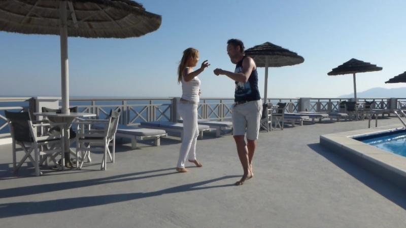 Танцуем Zouk на острове Иос, Греция.