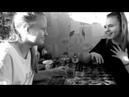 Социальный ролик Две сестры (черно-белое)