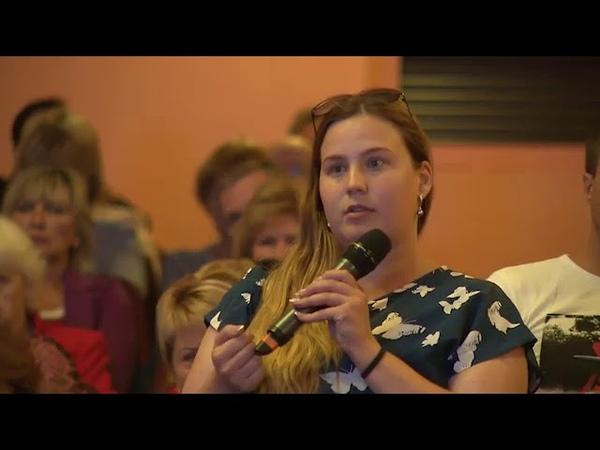 Глеб Никитин посоветовал главе администрации Дзержинска не улыбаться, пока не решит проблемы людей