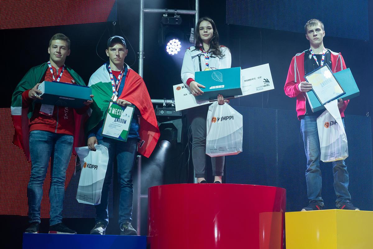 19-летняя москвичка Диана Багаутдинова стала лучшей сварщицей России.