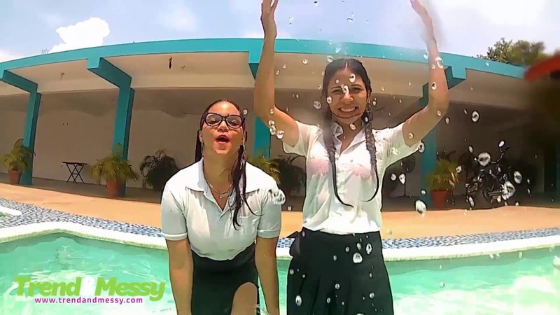 School girls go to the pool wet look ♥ CINI and MAGA