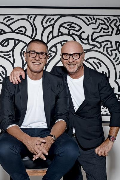 Шоу Dolce & Gabbana в Китае отменили из-за оскорбительной рекламы За последний год репутация бренда Dolce&Gabbana несколько раз страдала из-за скандальных высказываний его сооснователя Стефано