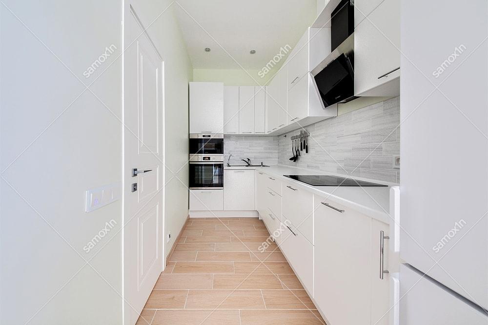 белая кухня без окна