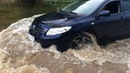 Toyota Corolla в брод по реке воде сумасшедшая езда гидроудар тонет жесть