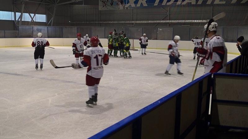 Хоккей в Буе.Планета(Буй)_Красные крылья(Кострома)4.11.18.ч.2