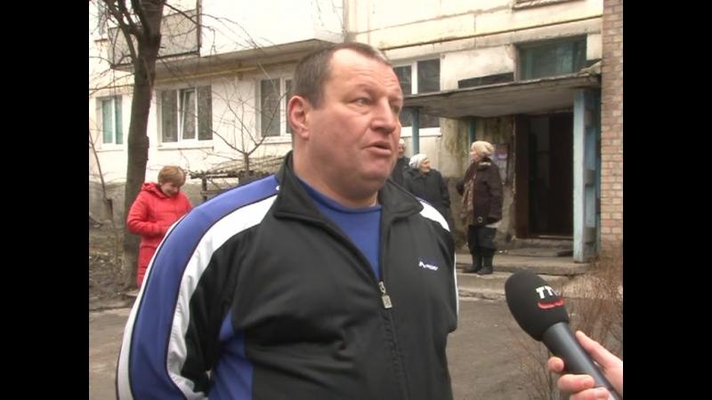 Акценти дня - Проект із заміни старих підїздних дверей на мікрорайонах Волкова-Пацаєва