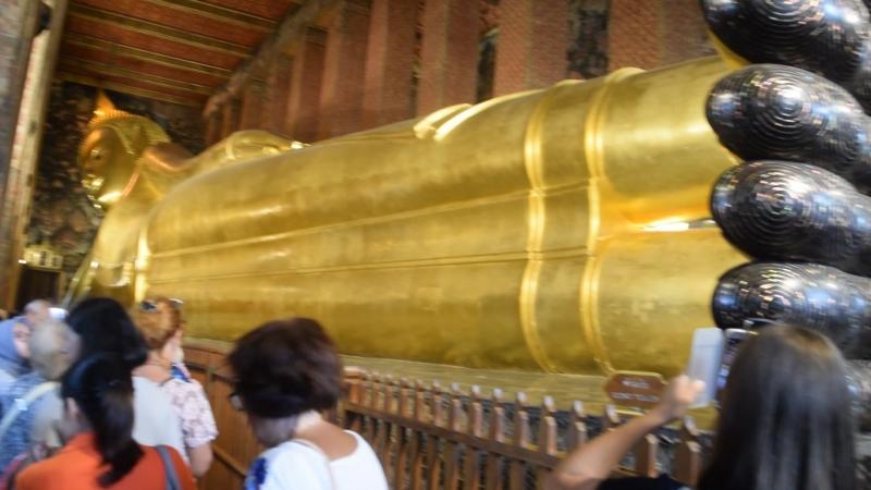 Лежачий Будда ( покрыт полностью золотом)