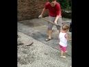 Так вот почему теннисистки озвучивают свои удары-подачи ! Причём, учатся этому, видимо, с раннего детства!детиюморпоз