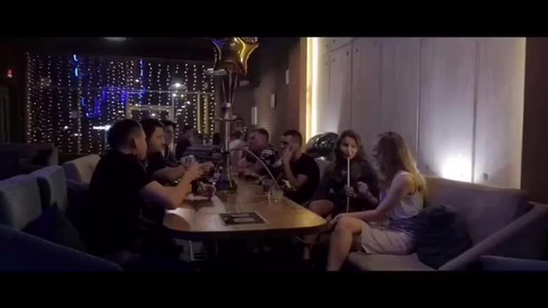 Приглашаем всех приятно провести время в @ city_lounge_bar_kazan. ❗️❗️Вас ждёт : 👨🏻🍳вкусная еда 💨много вкусного дыма ☕️отменные