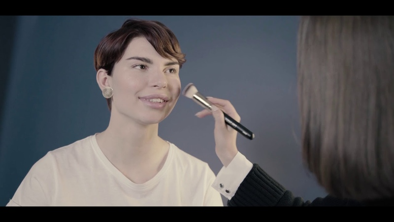 Визажист Наталья Васильева делает макияж с помощью коллекции Perricone MD No Makeup