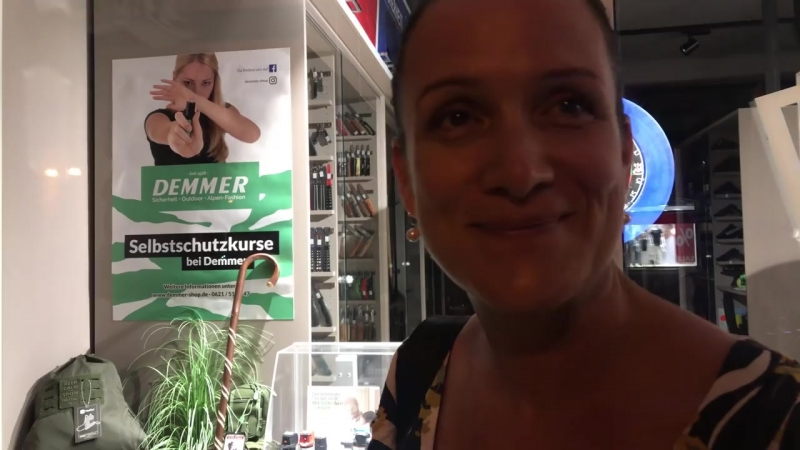 Nicole Höchst MdB in Speyer bei Nacht