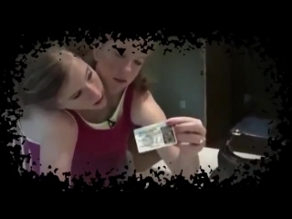 Двухголовая девушка Эбигейл и Бриттани Хенсел-304756034121.mp4